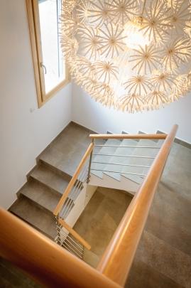 Escala interior en vivenda de nova construcció